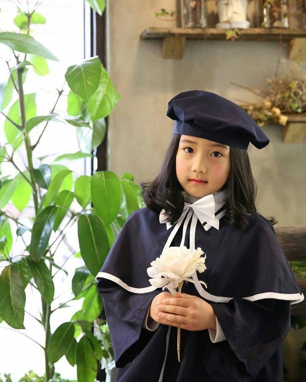 Lee Young Ae hack tuổi kinh ngạc trên tạp chí, thế nhưng con gái 11 tuổi của mỹ nhân Nàng Dae Jang Geum mới chiếm trọn sự chú ý - Ảnh 8.