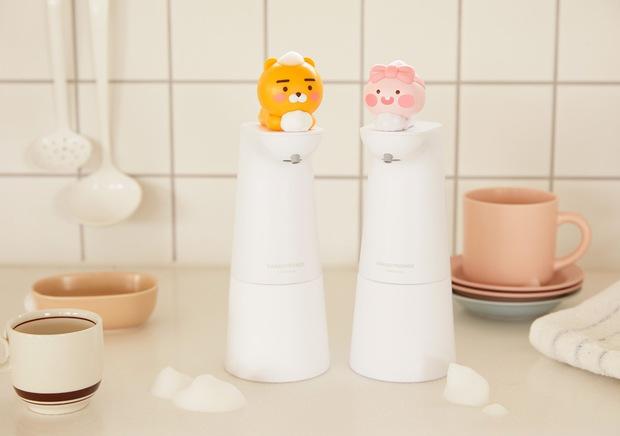 Kakao Friends có cả loạt đồ cưng xỉu cho mùa dịch: Từ máy tiệt trùng cầm tay đến máy rửa tay cảm biến - Ảnh 5.