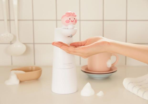 Kakao Friends có cả loạt đồ cưng xỉu cho mùa dịch: Từ máy tiệt trùng cầm tay đến máy rửa tay cảm biến - Ảnh 6.