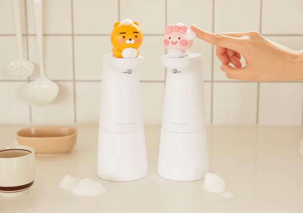 Kakao Friends có cả loạt đồ cưng xỉu cho mùa dịch: Từ máy tiệt trùng cầm tay đến máy rửa tay cảm biến - Ảnh 7.
