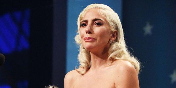 Sốc: Lady Gaga tiết lộ từng bị một nhà sản xuất âm nhạc cưỡng hiếp nhiều lần trong quá khứ, phải phá thai ở tuổi 19 - Ảnh 1.