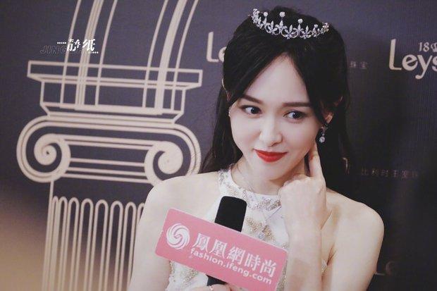 Top 1 Weibo: Ảnh không PTS của 1 mỹ nhân Cbiz khiến cả Cbiz bùng nổ, mẹ 1 con mà visual phơi phới như gái đôi mươi - Ảnh 10.