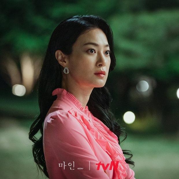 Giả thuyết sốc óc về trùm cuối phim 18+ Mine: Tiếp cận làm thân và giết hại mợ út Lee Bo Young? - Ảnh 8.