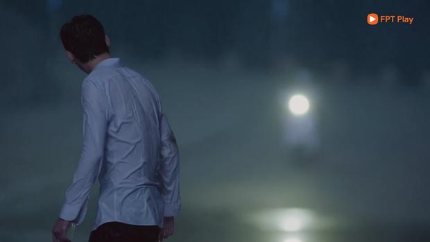 Loạt cảnh vô lý hết sức ở phim của Triệu Lộ Tư: Nam chính bị xe tông nhưng mất trí nhớ vì... ăn tát? - Ảnh 2.