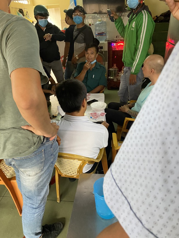 Khởi tố cán bộ phường tham gia đánh bạc ở TP.HCM - Ảnh 2.