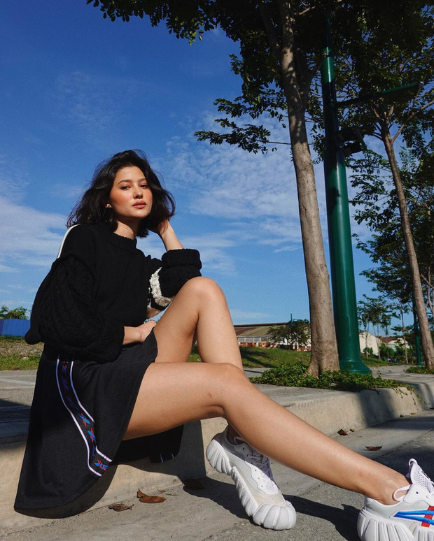 Đối thủ nặng ký của Kim Duyên ở Miss Universe 2021: Đẹp đến mức chưa thi đã được đoán thành Hoa hậu, profile còn khủng hơn - Ảnh 9.