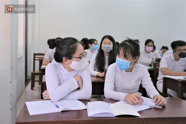 Thông báo mới của Sở GD-ĐT TP.HCM về phòng dịch COVID-19 cho học sinh, giáo viên - Ảnh 1.