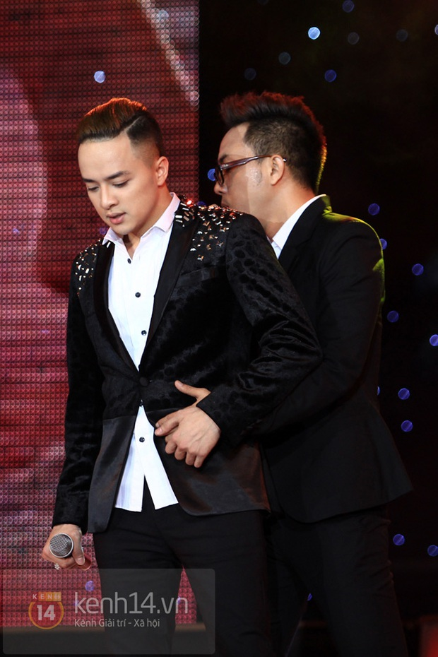 Netizen bất ngờ mỉa mai NS Nguyễn Hồng Thuận nhắc khéo Nathan Lee, còn đào lại sân khấu tình tứ với Cao Thái Sơn - Ảnh 11.