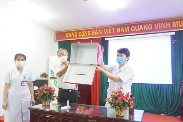 Hình ảnh bầu cử đặc biệt trong bệnh viện dã chiến tại Bắc Ninh - Ảnh 2.