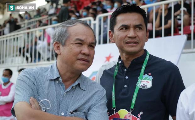 HLV Kiatisuk ôm giấc mơ lớn và bầu Đức cũng muốn đưa bóng đá Việt vươn tầm quốc tế - Ảnh 1.