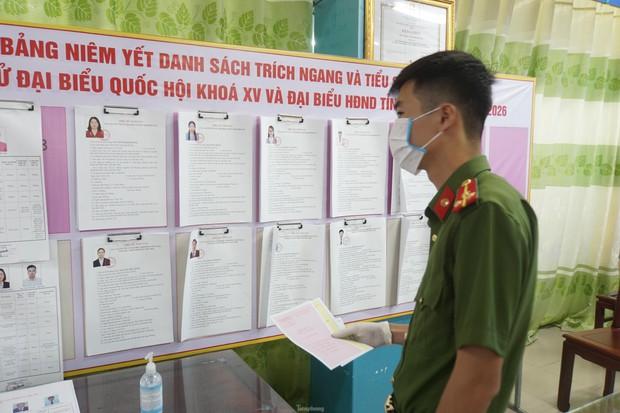 Hình ảnh bầu cử đặc biệt trong bệnh viện dã chiến tại Bắc Ninh - Ảnh 4.
