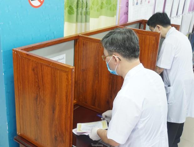 Hình ảnh bầu cử đặc biệt trong bệnh viện dã chiến tại Bắc Ninh - Ảnh 6.