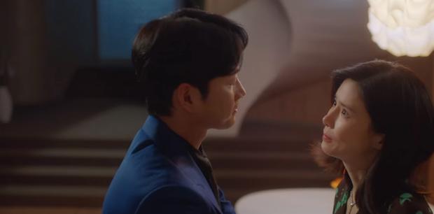 Sốc óc với tập 5 phim 18+ Mine: Chính thất (Lee Bo Young) vừa mang thai đã bị hại chết, sát nhân là tiểu tam? - Ảnh 6.