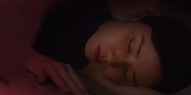 Sốc óc với tập 5 phim 18+ Mine: Chính thất (Lee Bo Young) vừa mang thai đã bị hại chết, sát nhân là tiểu tam? - Ảnh 8.