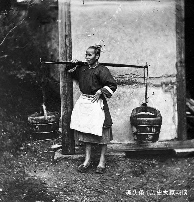 Hủ tục đáng sợ phổ biến thời Thanh: Người nghèo ký hợp đồng thuê vợ về sinh con - Ảnh 3.