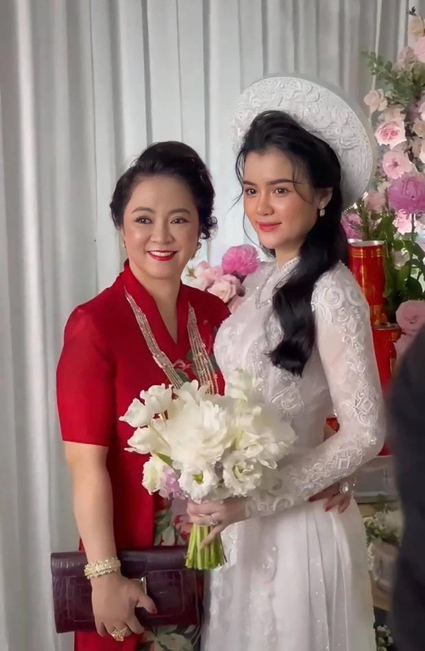 Khoe xe sang và kim cương chưa lâu, con dâu bà Phương Hằng lại có động thái lạ - Ảnh 4.