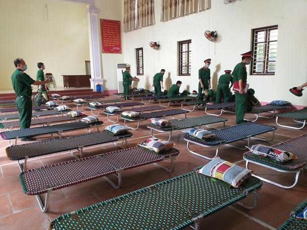 Hàng trăm sinh viên Quân y thần tốc hỗ trợ Bắc Giang chống dịch, làm việc 12-15 tiếng/ngày không nghỉ - Ảnh 7.