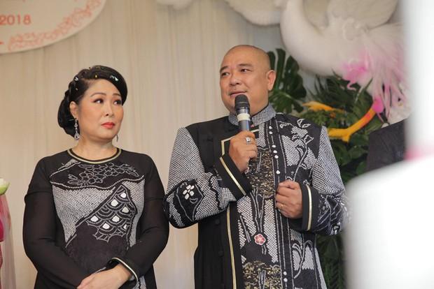 Xôn xao status của chồng NSND Hồng Vân về drama bà Phương Hằng: Nghệ sĩ im lặng không phải vì họ sợ, mà họ muốn làm công dân tốt chấp hành luật pháp - Ảnh 2.