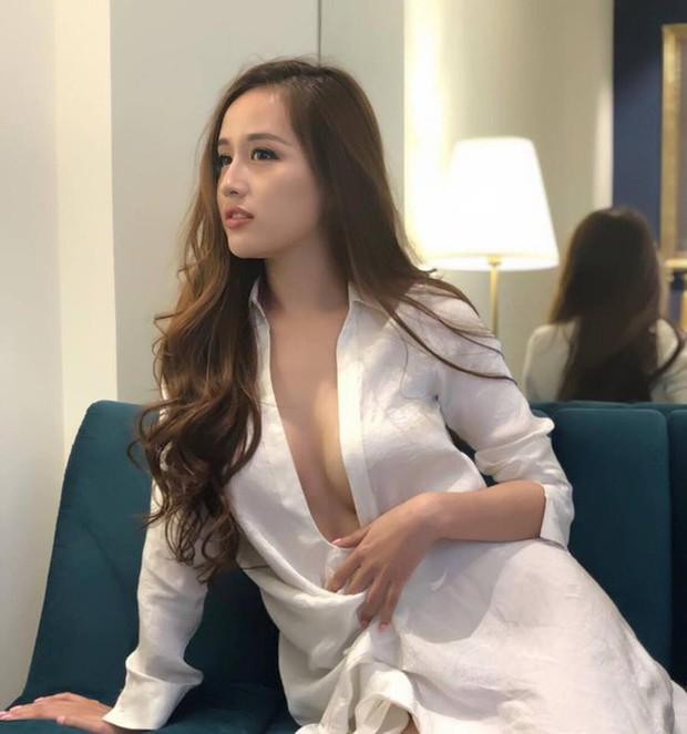 Dàn Hoa hậu ngoan hiền Vbiz phá kén hở bạo: Mai Phương