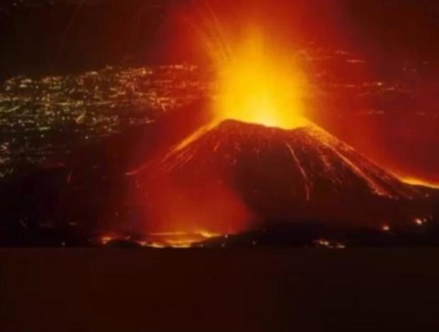 Núi lửa Nyiragongo ở CH Congo phun trào dữ dội - Ảnh 1.