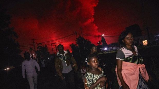 Núi lửa Nyiragongo ở CH Congo phun trào dữ dội - Ảnh 2.