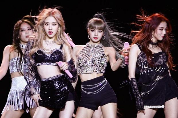 Mnet 3 đời bán bánh tráng: Từng bôi nhọ BLACKPINK tại MAMA mà giờ lại khen Lisa là nữ hoàng Kpop? - Ảnh 10.