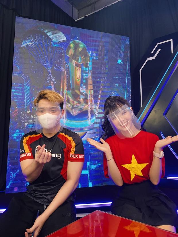 Diện chiếc áo đặc biệt lên sóng, nữ MC Thảo Trang khiến cộng đồng game ngất ngây, mê như điếu đổ! - Ảnh 2.