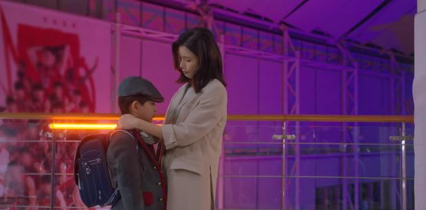 Tập 6 drama Mine bẻ lái liên hồi: Lee Bo Young tát sấp mặt tiểu tam, mợ cả lộ người yêu đồng giới - Ảnh 2.