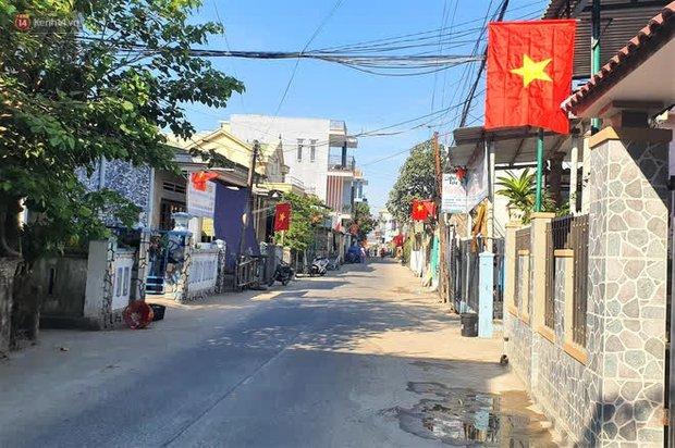 Người dân tại xã duy nhất của Quảng Ngãi có ca nhiễm Covid-19 đi bầu cử theo ca - Ảnh 1.