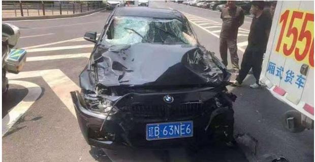 Clip: Làm ăn thua lỗ, thanh niên lái xe đâm thẳng vào đoàn người qua đường khiến 5 người tử vong - Ảnh 3.