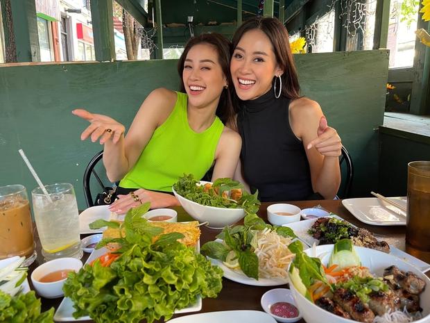 Khánh Vân cuối cùng đã hội ngộ Hoa hậu Malaysia 1 tuần sau Miss Universe, chị em vui mừng khôn xiết cùng làm 1 điều đặc biệt - Ảnh 3.