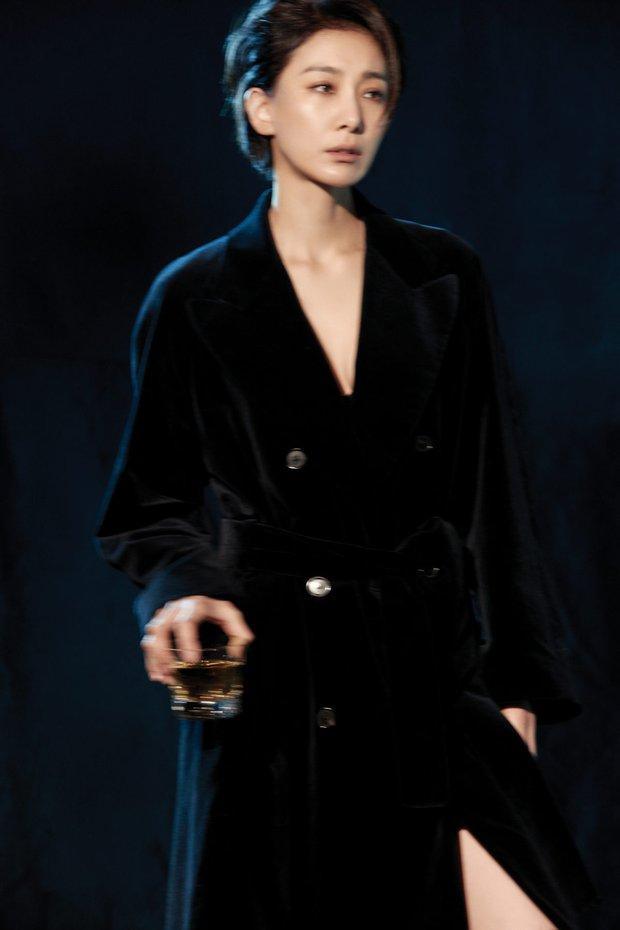Mợ cả Mine - Kim Seo Hyung: Vẻ đẹp phi giới tính vạn người mê, ác nữ quốc dân mê mẩn sống một mình - Ảnh 15.