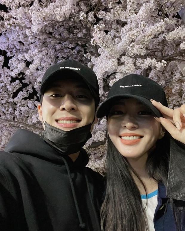 Người yêu kém 10 tuổi bị đồn là trai bao, chị đẹp Han Ye Seul có màn đáp trả mạnh tay khiến netizen thán phục - Ảnh 2.