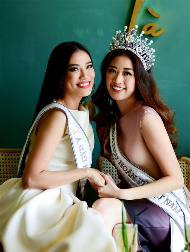 Hé lộ câu nói ngỡ ngàng Kim Duyên nói với Khánh Vân trong giây phút hồi hộp nghe kết quả ngôi vị Hoa hậu Hoàn vũ Việt Nam - Ảnh 7.