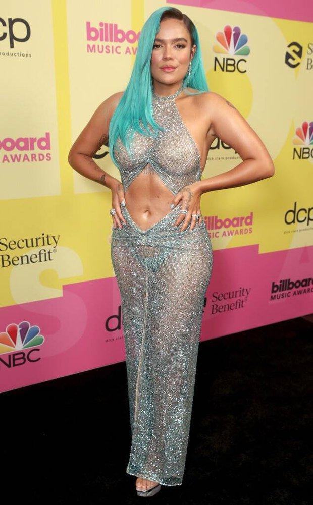 Siêu thảm đỏ Billboard Music Awards: Hoa hậu Thế giới o ép vòng 1 khủng bên host Nick Jonas, Alicia Keys hồng choé bị mỹ nhân xuyên thấu hết hồn lấn át - Ảnh 6.