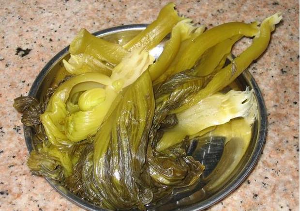 Cô gái 18 tuổi mất nửa dạ dày, sống nhờ thức ăn dạng lỏng suốt đời vì thường xuyên ăn loại rau nhiều người thích - Ảnh 2.