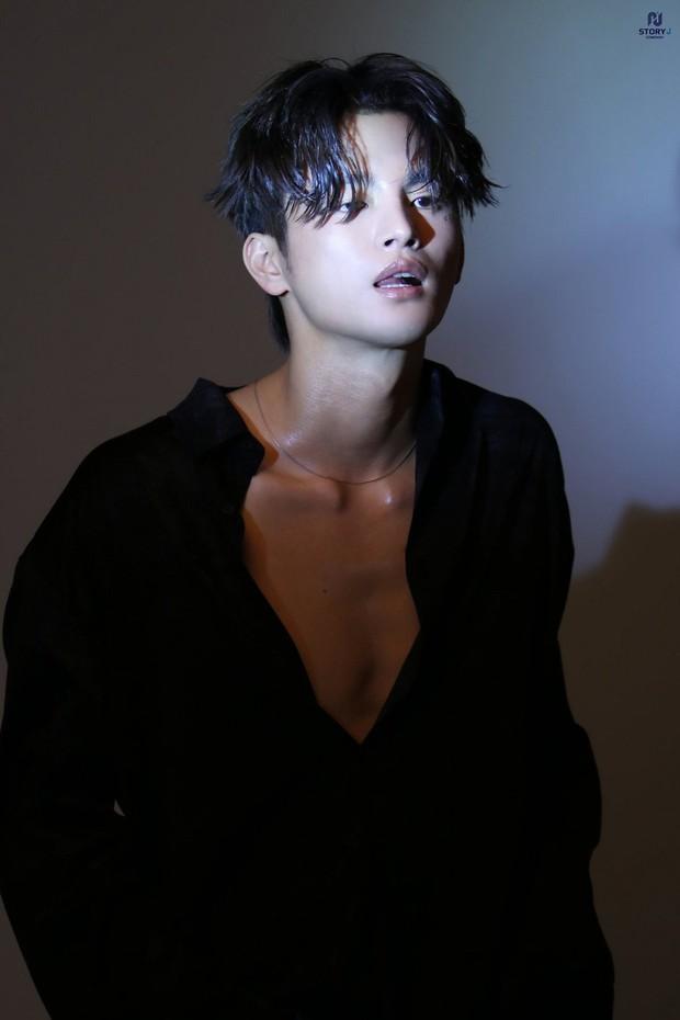 3 idol diễn hay hát đỉnh bậc nhất Kbiz: IU, Seo In Guk tài đấy nhưng chưa bằng trùm cuối ôm cả cúp Rồng Xanh - Ảnh 3.