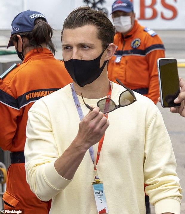 Không thể nhận ra nhóc tỳ Người Nhện Tom Holland trong Avengers ngày nào, visual soái khí và cơ bắp tuổi 24 mlem quá! - Ảnh 3.