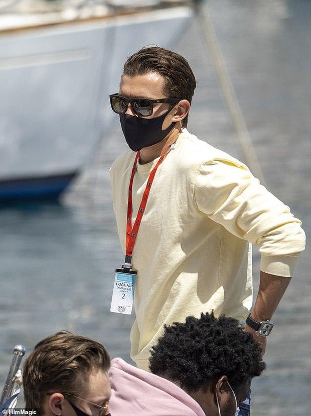 Không thể nhận ra nhóc tỳ Người Nhện Tom Holland trong Avengers ngày nào, visual soái khí và cơ bắp tuổi 24 mlem quá! - Ảnh 6.