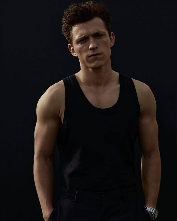 Không thể nhận ra nhóc tỳ Người Nhện Tom Holland trong Avengers ngày nào, visual soái khí và cơ bắp tuổi 24 mlem quá! - Ảnh 9.