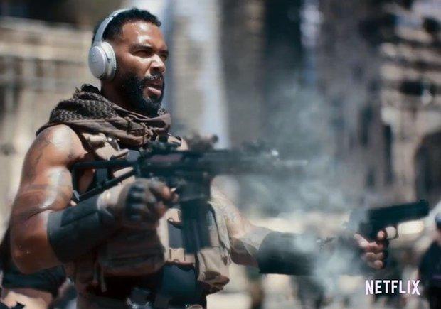 Đạo diễn bom tấn 18+ Army of the Dead giải thích cái kết gây sốc, úp mở nội dung phần tiếp theo - Ảnh 2.