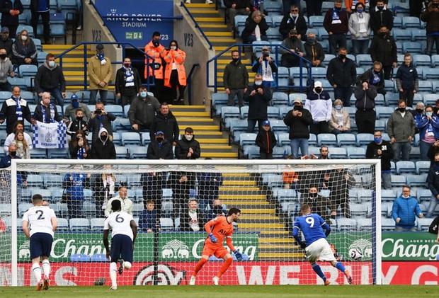 Leicester hụt vé dự Champions League sau sai lầm không thể tha thứ của thủ môn đội trưởng - Ảnh 5.