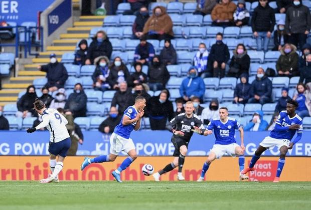 Leicester hụt vé dự Champions League sau sai lầm không thể tha thứ của thủ môn đội trưởng - Ảnh 7.