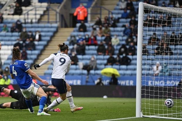Leicester hụt vé dự Champions League sau sai lầm không thể tha thứ của thủ môn đội trưởng - Ảnh 8.