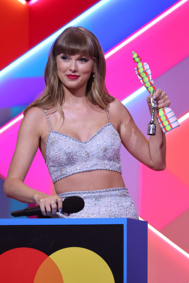 Các sự kiện âm nhạc quốc tế về trạng thái bình thường mới: BBMAs mở cửa riêng cho người đã tiêm vaccine, BRIT Awards không cần khẩu trang - Ảnh 8.