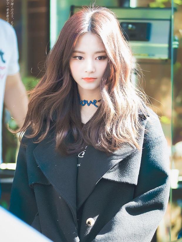 3 visual gen 3 Kpop khi để mái ngang: Tzuyu trông thế nào mà bị nhận xét không có cửa với Irene và Jisoo? - Ảnh 6.
