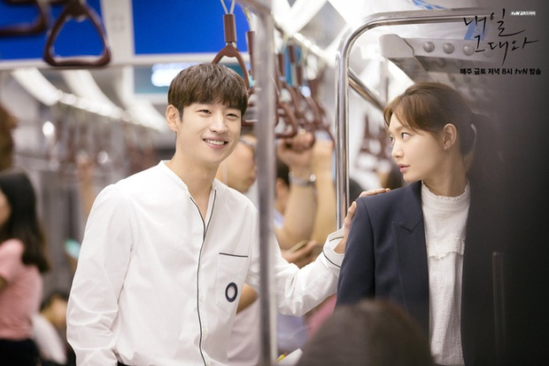 6 nam thần không tuổi ở phim Hàn: Song Joong Ki bị thời gian bỏ quên nhưng anh Diệt Seo In Guk mới gây bất ngờ - Ảnh 23.