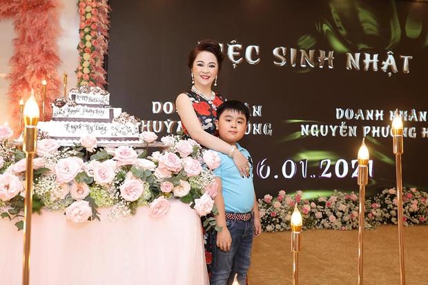 Con trai bà Phương Hằng và đại gia Dũng lò vôi: Được trao chức Chủ tịch khi tròn 1 tuổi, thành tỷ phú bé nhất Việt Nam! - Ảnh 2.