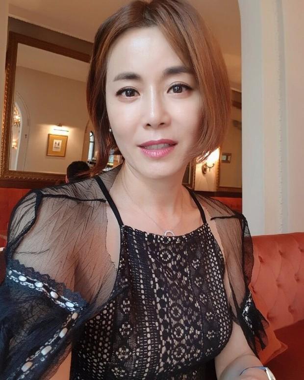 Hóa ra bạn gái Lee Seung Gi là con cháu hoàng gia ở Hàn Quốc, bảo sao visual sang đến vậy trong tạo hình cổ trang - Ảnh 4.