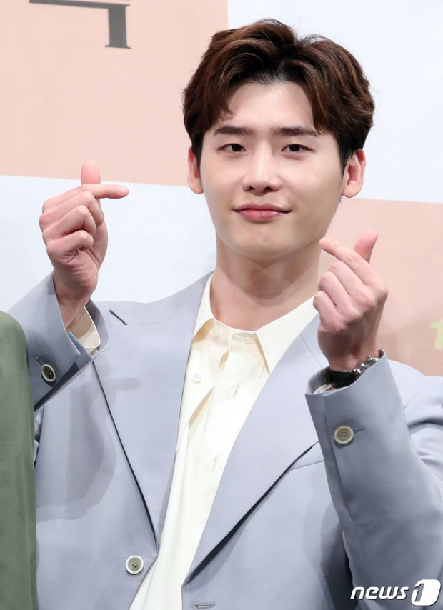 6 nam thần không tuổi ở phim Hàn: Song Joong Ki bị thời gian bỏ quên nhưng anh Diệt Seo In Guk mới gây bất ngờ - Ảnh 12.